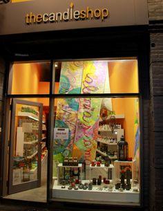 Alicia Goñi para compañia urbana en vidriera al arte