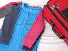 Tips on what and how to pack, plus a handy travel checklist printable.