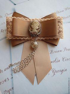 Lindo... Ribbon Crafts, Ribbon Bows, Ribbons, Bow Accessories, Fashion Accessories, Wedding Accessories, Women Bow Tie, Barrettes, Brooches Handmade