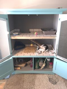 Large Indoor Rabbit Hutch, Ideas and Accessories for DIY Rabbit Cages - Spiffy Pet Products - Tips for Pets - How Diy Bunny Hutch, Diy Bunny Cage, Diy Guinea Pig Cage, Guinea Pig Hutch, Guinea Pig House, Bunny Cages, Rabbit Cage Diy, Guinea Pigs, Indoor Rabbit House