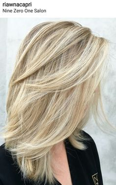 22 Ideas For Haircut 2019 Layers Thick Blonde Hair, Blonde Layered Hair, Hair Color 2018, Hair Color And Cut, Thin Hair Haircuts, Hairstyles Haircuts, Medium Hair Styles, Curly Hair Styles, Corte Y Color