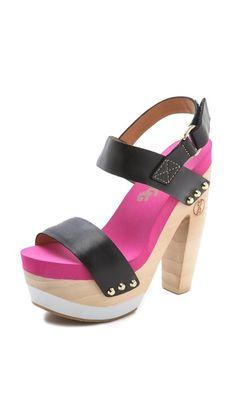 I love these weird clog/flip-flops. SO CUTE.