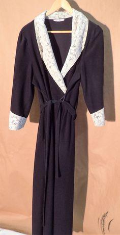 70s Gorgeous Womens Vintage Soft Vanity Fair Black Robe - Ivory Lace - Dacron Polyester - Large - Nice! by DOINGITSOBER on Etsy