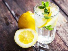Zdravotní problémy, které vyřeší voda s citronem
