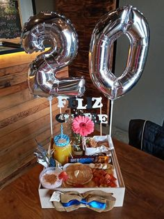 Birthday Gifts For Boyfriend Diy, Gift Box Birthday, Birthday Table, Friend Birthday Gifts, Boyfriend Gifts, Bf Gifts, Love Gifts, Couple Gifts, Diy Birthday Decorations