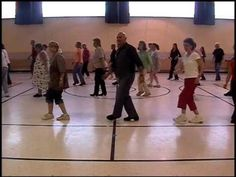 Mamma Maria Choreographed by Frank Trace 32 Count, 4 Wall Beginner Line Dance www.traceofcountry.com