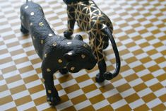 DIY Gold Patterned Beasts from Heodeza | first spotted via this pin http://pinterest.com/pin/156992736980422542