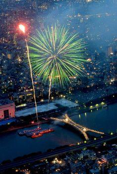 Fire Works at Sumida River, Tokyo Japan.2012/07/28  https://www.facebook.com/media/set/?set=a.483761671634765.117427.197496940261241=1