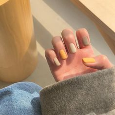 Want some ideas for wedding nail polish designs? This article is a collection of our favorite nail polish designs for your special day. Read for inspiration Cute Acrylic Nails, Cute Nails, Acrylic Nails Autumn, Pastel Nail Art, Fall Gel Nails, Autumn Nails, Stylish Nails, Trendy Nails, Hair And Nails