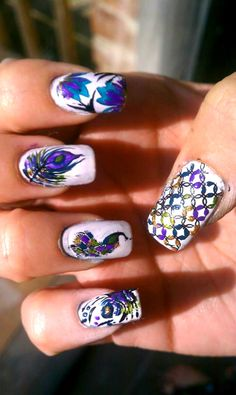 Peacock Nails-wouldn't do it on all nails...but good idea for one per hand! :)