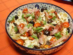 Ensalada de pasta fría mediterránea