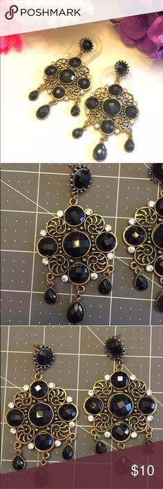 "NWOT Statement Drop Earrings Lattice Gold & Black Very cute, brand new without tags, handmade earrings. *Not made by me* Gold costume drop earrings with black stones and clear crystals. About 4"" long Jewelry Earrings"