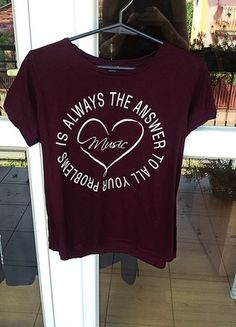 Kup mój przedmiot na #vintedpl http://www.vinted.pl/damska-odziez/koszulki-z-krotkim-rekawem-t-shirty/14394520-bershka-heart-t-shirt-idealny
