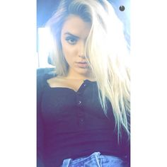 Her hair tho Allisa Violet, Bella Thorne, Her Hair, Ariana Grande, Spring Summer, Selfie, Queen, T Shirts For Women, Instagram