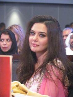 Preity Zinta @ Gr8 Women Awards 2011