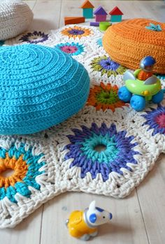 Great colour! (Rug Crochet  hexagon square by lacasadecoto on Etsy)...