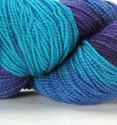 Done Roving Frolicking Feet Sock Yarn - Cozy Cove