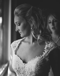 The bride getting ready is definitely one of my favorite parts of the wedding to photograph. Everyone gets really excited right before the ceremony and when I get to capture the maid of honor putting the final touches and the mother of the bride crying while putting on the veil my just heart melts.