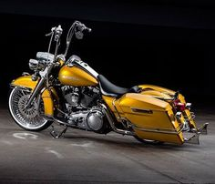 ITS NOT YELLOW...IT'S PAGAN GOLD!! LOL!! 2008 approximately 8k miles!! EBAY LINK IN BIO!! .. .. .. #CCW #apehangers #cholo #chrome #sportster #custom #custompaint #bagger #streetglide #exhaust #rigid #pagangold #harleydavidson #harley #motorcycle #fishtail #motorcycles #chopper #electraglide #motorbike #instamotorcycle #cruisin #cruising #springer #GOLD #pewpew #gangster #whitewalls #pagan
