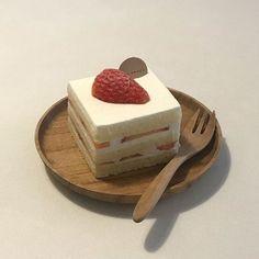 "Dolce on Twitter: ""Roll cakes by ojiobachanok… "" Think Food, I Love Food, Good Food, Yummy Food, Cute Desserts, Dessert Recipes, Dessert Food, Cafe Recipes, Kawaii Dessert"
