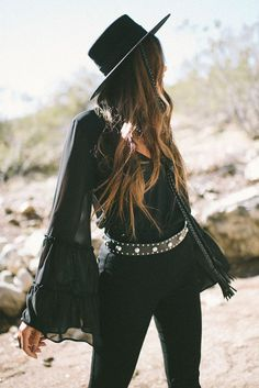Several of the most popular boho outfit! I love the flow and conceptual considering the bohemian strength! Hippie Stil, Mode Hippie, Estilo Hippie, Bohemian Mode, Bohemian Style Clothing, Hippie Goth, Boho Outfits, Western Outfits, Western Wear