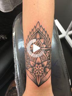 Mandala wrist tattoo.    #mandala #tattoo #wrist #wristtattoo #wristtattoos Wrist Hand Tattoo, Mandala Wrist Tattoo, Butterfly Wrist Tattoo, Hand Wrist, Wrist Tattoos For Women, Tattoos For Women Small, Tattoos For Guys, Arm Tattoos, Sleeve Tattoos