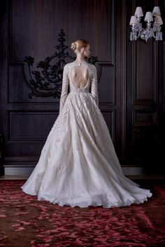 Monique Lhuillier Bridal Spring 2016 Fashion Show