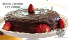 Receita Bolo de Chocolate com Morango - Dicas de como fazer -How to make chocolate cake with strawberries Recipe - DIY - Madame Criativa - www.madamecriativa.com.br