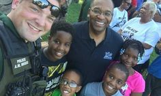 """POLICE AND COMMUNITIES COMING TOGETHER WITH """"FIRST STEPS"""" COOKOUT"""