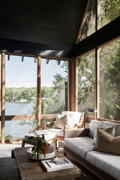 House Deck, House With Porch, Cozy House, Lake Cottage, Rustic Cottage, Cozy Cottage, Cottage Design, House Design, Modern Lake House