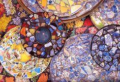 Wow! love the colours Broken plate mosaic, artist unknown. lindsaykate.files.wordpress.com