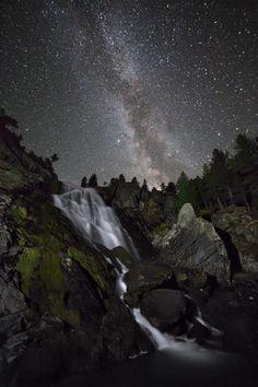 Rusko / Mrazivá jezera Altaje   Into the Wild   Jaroslav Zákravský   Fotografie přírody Jezera, Into The Wild, Northern Lights, Stars, Nature, Travel, Wilderness, Naturaleza, Viajes