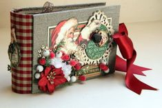 Christmas Mini Albums, Christmas Journal, Christmas Scrapbook, Christmas Minis, Scrapbook Cover, Vintage Scrapbook, Mini Scrapbook Albums, Scrapbook Paper Crafts, Chipboard Crafts
