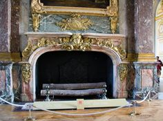 Versailles-Great-Marble-Fireplace.