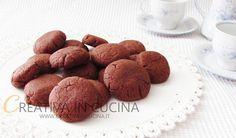 Nutellini, semplicissimi biscottini friabili dal sapore inconfondibile e irresistibile! Leggi la ricetta http://www.creativaincucina.it/2016/10/27/nutellini/