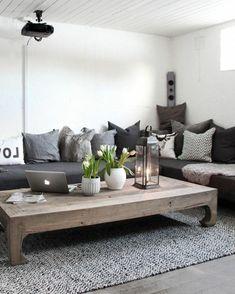 idee deco salon exceptionnelle, couleur peinture salon blanc, canapé gris, tapis gris, table en bois brut, style rustique chic