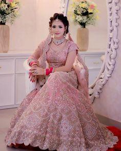 Indian wedding gowns - So pretty cute 😍♥️👌 Wedding Lehenga Designs, Wedding Lehnga, Indian Wedding Gowns, Indian Bridal Outfits, Indian Bridal Fashion, Indian Bridal Wear, Indian Dresses, Hair Wedding, Wedding Wear