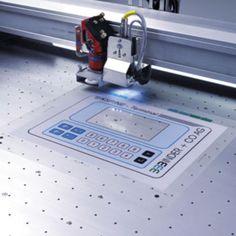 Jak laserem řezat plastové fólie a filmy - http://www.mega-blog.cz/lasery/jak-laserem-rezat-plastove-folie-a-filmy/ Z předchozích článků víte, jak laserem řezat a gravírovat do skla, plastu, pěny, filtračních materiálů, textilu, papíru, dřeva a dalších materiálů. V tomto díle si ukážeme, jak lasery řezat plastové fólie a filmy, popřípadě membránové klávesnice z polykarbonátu, polyesteru nebo polyimidu. Laserov...