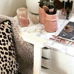 """140 Likes, 5 Comments - Charlotte Berry (@flamingostyling) on Instagram: """"DAY 9 : PATTERN/TEXTURE #myhouseinseptember A close up of my daughter's makeup corner - with…"""""""