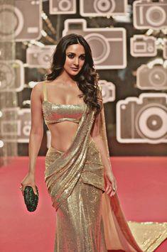 Indian Wedding Bridesmaids, Wedding Sari, Desi Wedding, Casual Wedding, Wedding Ceremony, Party Wedding, Wedding Events, Diwali Dresses, Sequin Outfit