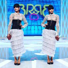 """2,693 aprecieri, 12 comentarii - Bravo, ai stil! (@bravoaistil) pe Instagram: """"Alexandra, atacuri subtile la adresa Ramonei:""""Sunt curioasa ce mai inveti tu aici daca tinutele…"""" Lace Skirt, Sequin Skirt, Fashion Art, Sequins, Skirts, Instagram Posts, Sequined Skirt, Skirt"""