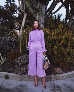 This lilac outfit is the perfect colored addition to summer trends. #lilacfashion #lilacoutfit #purplefashion #pastelfashion #ootd