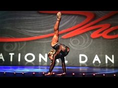 "This contortionists young dancer stunningly dances to ""Hallelujah"" 