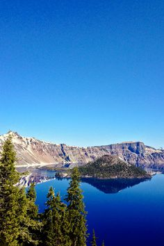 Best Things to Do in Crater Lake Oregon // localadventurer.com