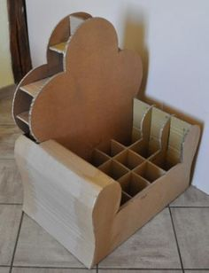 Unravel Coaster Office funiture list of great home furniture designs within the wide variety of looks and designs. Cardboard Chair, Diy Cardboard Furniture, Cardboard Cartons, Cardboard Box Crafts, Cardboard Design, Cardboard Paper, Kids Furniture, Home Crafts, Diy Home Decor