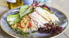 Le Marchén salaatti on kevyempi valinta lounaalle.