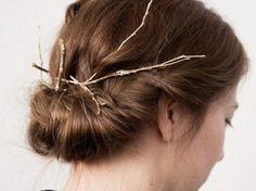 DIY tutorial: How to Make Festive Twig Hair Accessories  via en.DaWanda.com