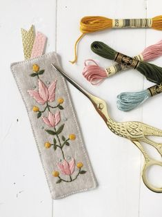 Nanas Bookmark digital PDF sewing and embroidery pattern Hand Embroidery Projects, Embroidery Stitches Tutorial, Embroidery Sampler, Flower Embroidery Designs, Embroidery Bags, Simple Embroidery, Hand Embroidery Patterns, Vintage Embroidery, Cross Stitch Embroidery