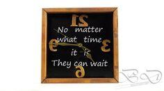 Reloj de madera pared,wooden clock with silent mechanism! decoration, craft, design, house, birthday, keepsake, gift,bedifferentbe de BEDIFFERENTBE en Etsy
