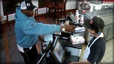 DAMN!!! WATCH THIS JIMMY JOHN'S EMPLOYEE'S REACTION WHEN ARMED ROBBER'S ...